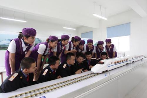 成都铁路学校环境及专业设备和学生风采