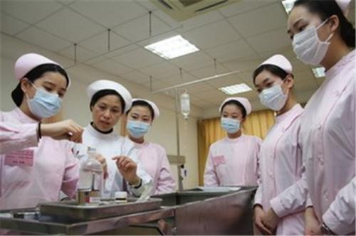 成都护士专业的国外就业前景怎么样