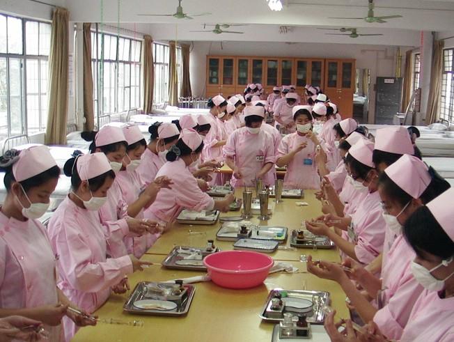 贵州市的卫生学校都有完善的实训设备吗?