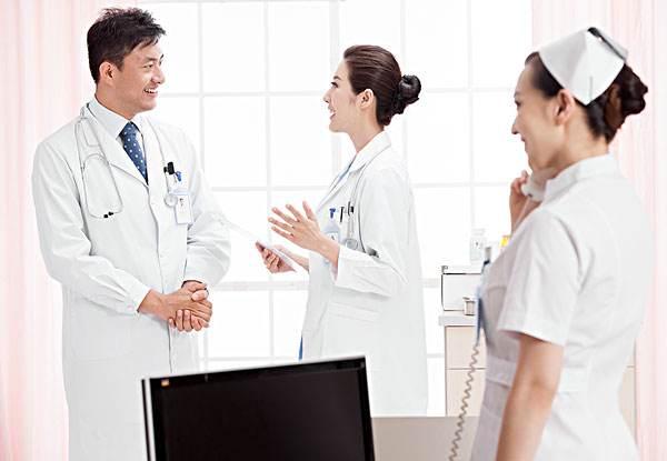 龙泉驿卫校高级护理就业前景如何