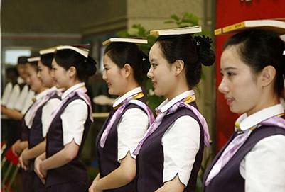 成都郫县铁路工程学校铁路乘务专业发展前景怎么样?