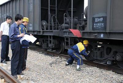 成都郫县铁路工程学校的招轨道检修专业吗?好就业吗?