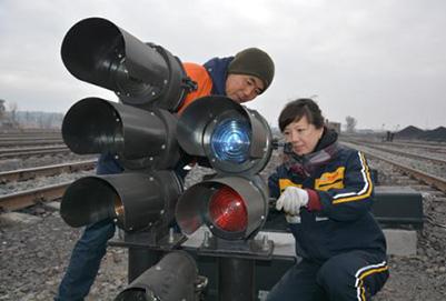 成都郫县铁路工程学校详解铁路信号专业