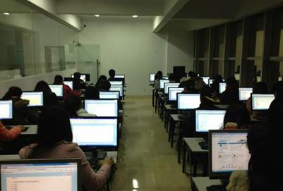 女生选择贵阳计算机学校好就业