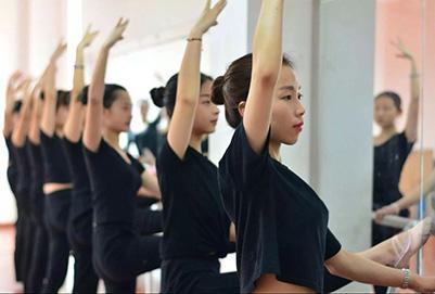 重庆大专幼师学校的专业性体现在哪些方面